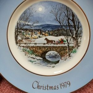 Avon Christmas 1979 7th Edition Snow